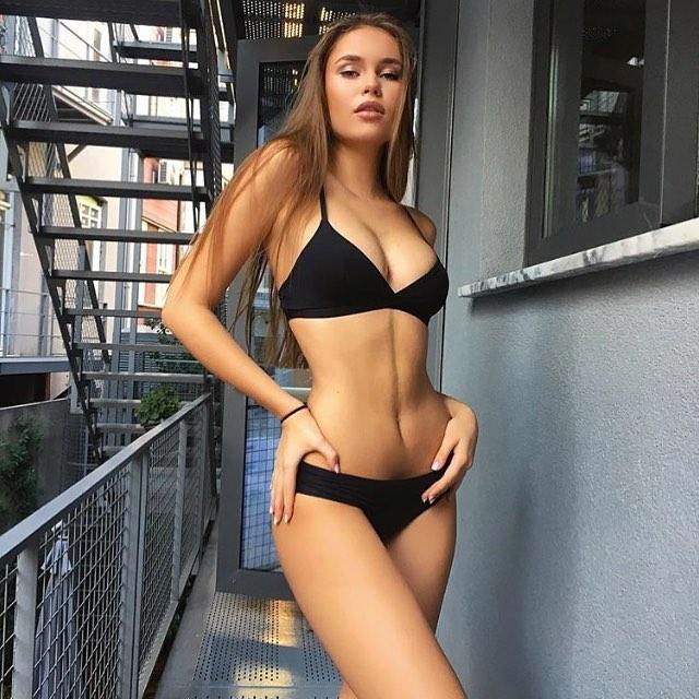 sexy slavic women